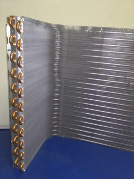 Air conditioner outdoor unit heat exchanger