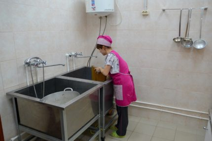 Mitruma līmeņa kontroles nozīme mazgāšanas ēdināšanas blokā.