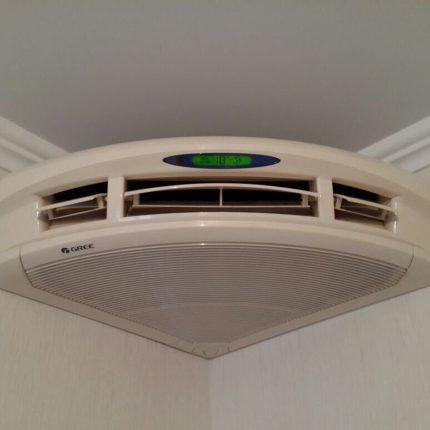 Corner ceiling air conditioning