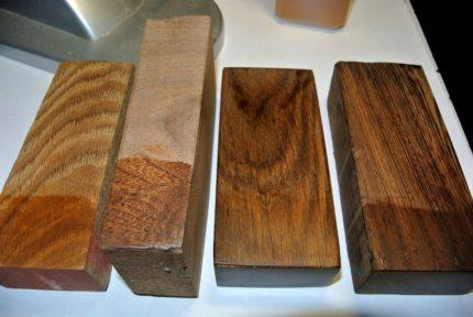 Barres en bois pour les accessoires