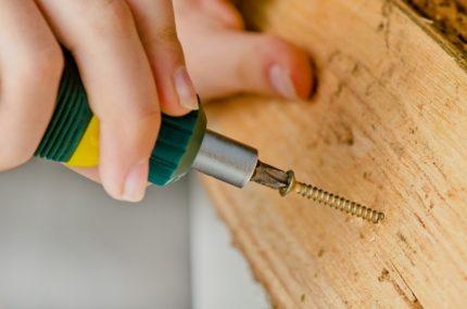 Vis autotaraudeuse pour bloc en bois