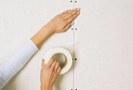 L'utilisation de ruban de finition pour lisser les joints